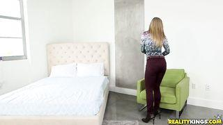 junges porno  blond model